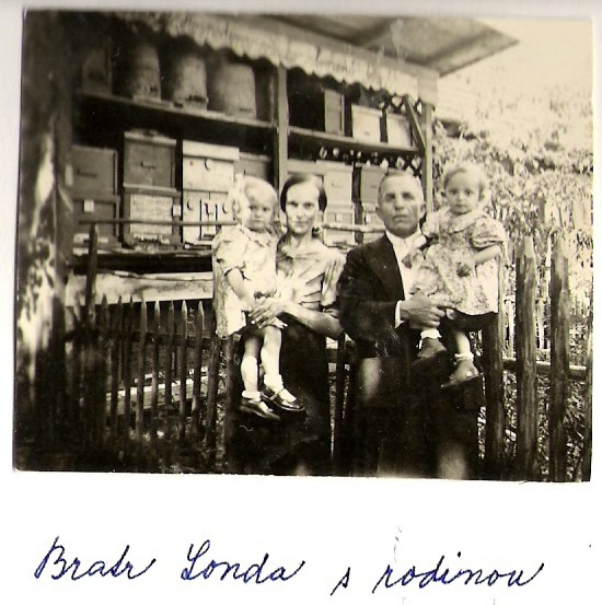 Bratr Londa s rodinou